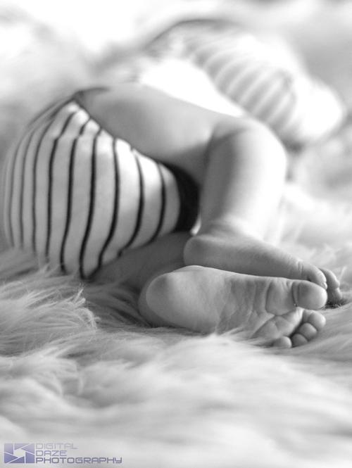 Portfolio - children - baby feet-